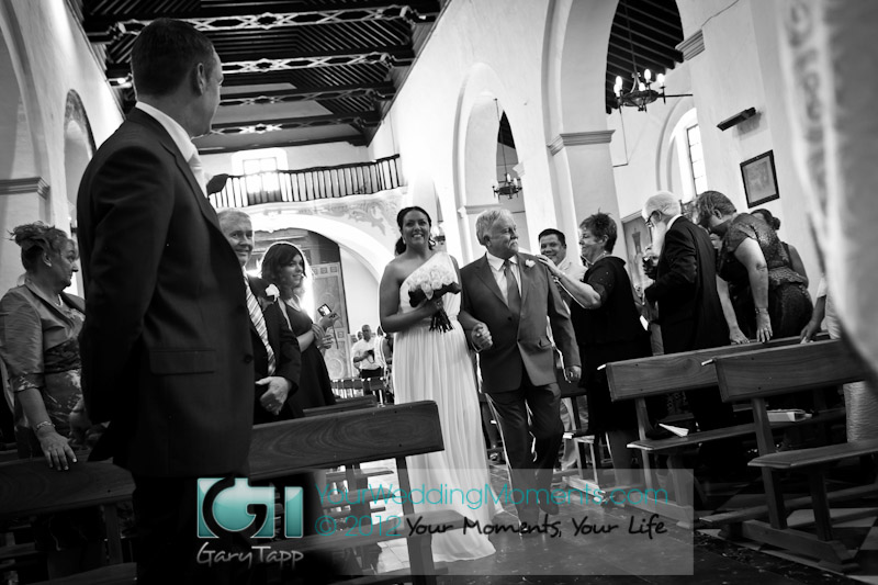 Wedding Photography in Frigiliana, near Nerja. Inglesia De San Antonio de Padua