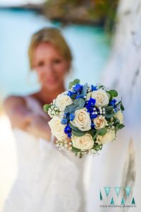 Bride holding bouquet at a wedding in Nerja