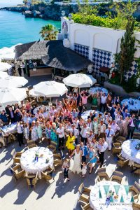 Big group shot of all the guests at a wedding in Nerja