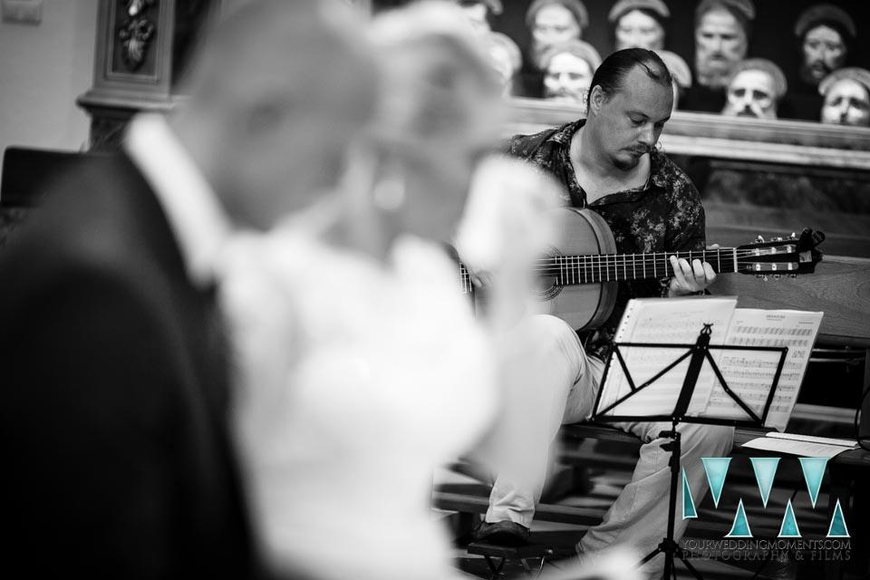 Frigiliana Wedding Photographer Guitarist Mark Shurey