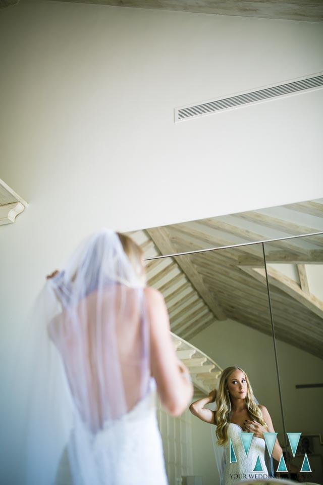 Villa Cisne wedding bride preparations in the mirror