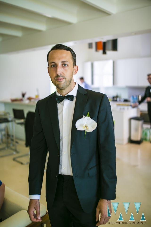 Villa Cisne wedding groom is ready