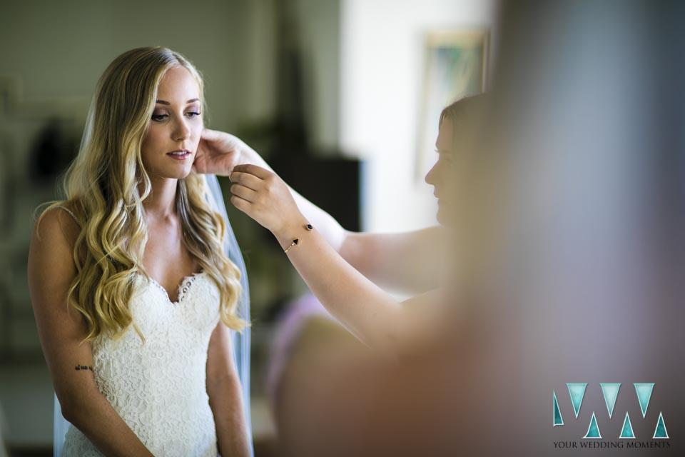 Villa Cisne wedding bride earrings