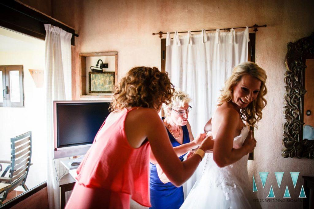 Molino de Santillan wedding bride getting ready