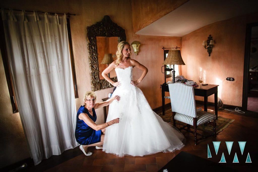 Molino de Santillan wedding bride almost ready