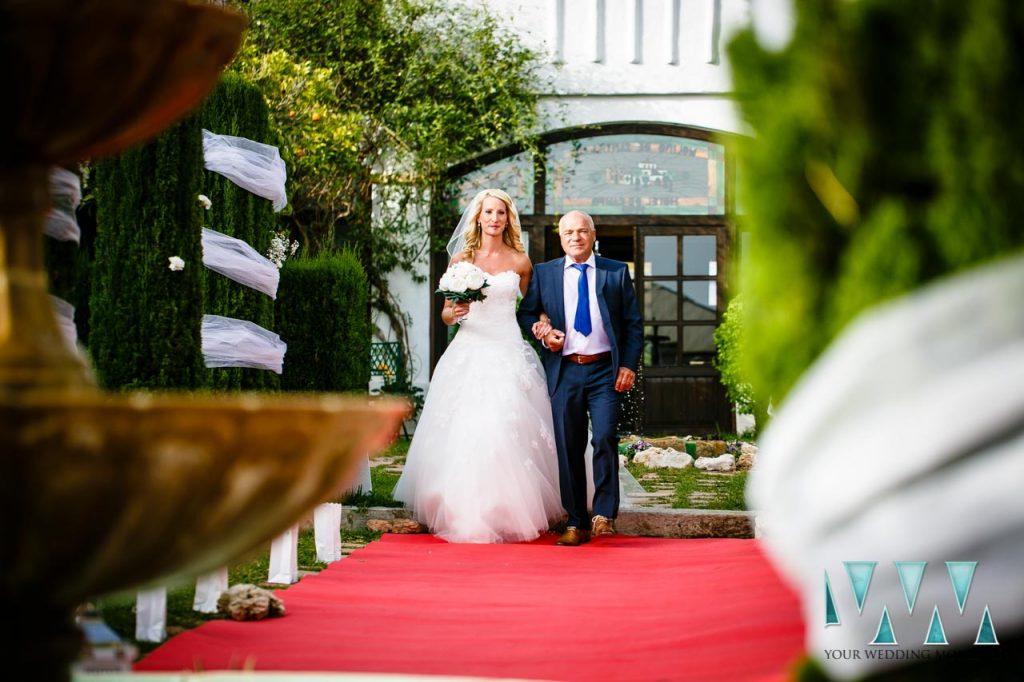 Molino de Santillan wedding here comes the bride